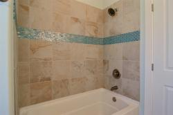 Click to enlarge image Upstairs guest bathroom - 268 Nautilus - $362,5003BD / 2.5BA Home, 1624 sq ft Port Aransas, Texas