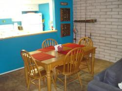 Click to enlarge image Dining area - 211 Sea Sands - $137,0002BD/2BA Condo, 1044 sq ftPort Aransas, Texas