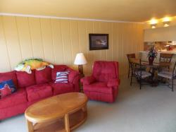 Click to enlarge image 2nd view of living area - 406 Las Brisas - $109,5002BD/1BA Condo, 883 sq ftCorpus Christi, Texas
